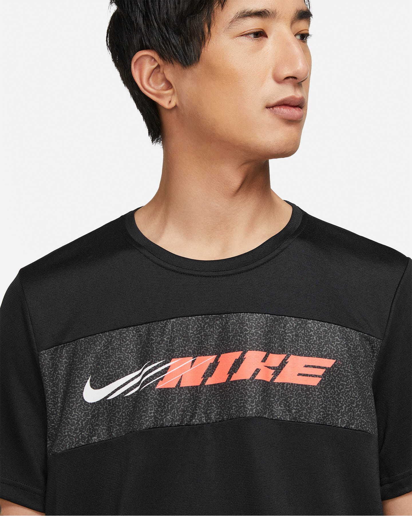 T-Shirt training NIKE DRY SUPERSET ENERGY M S5269658 scatto 2