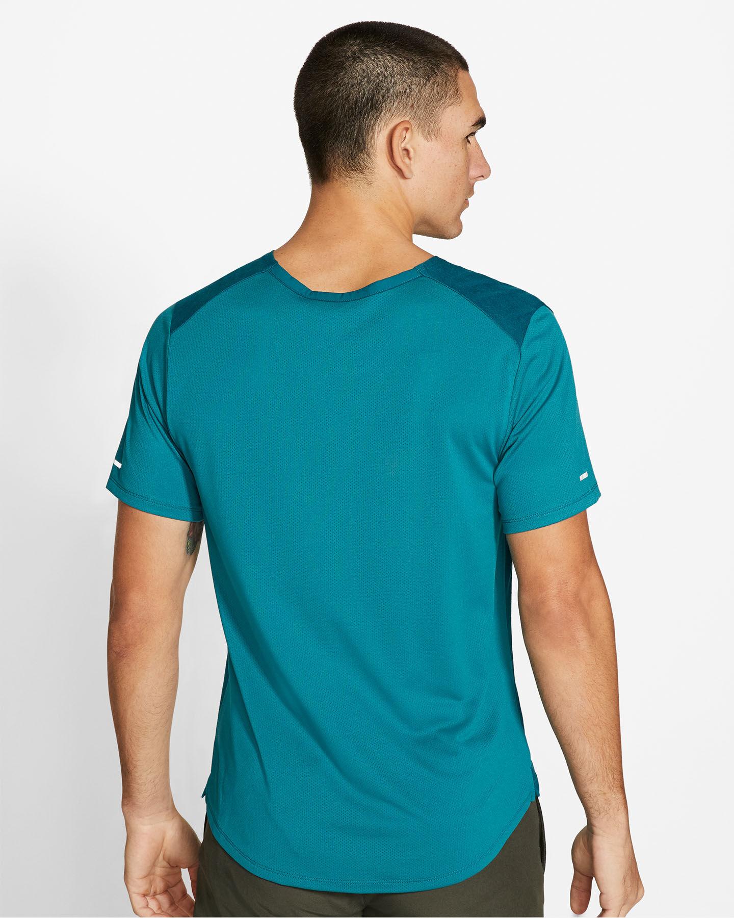 T-Shirt running NIKE MILER WILD RUN M S5225613 scatto 3