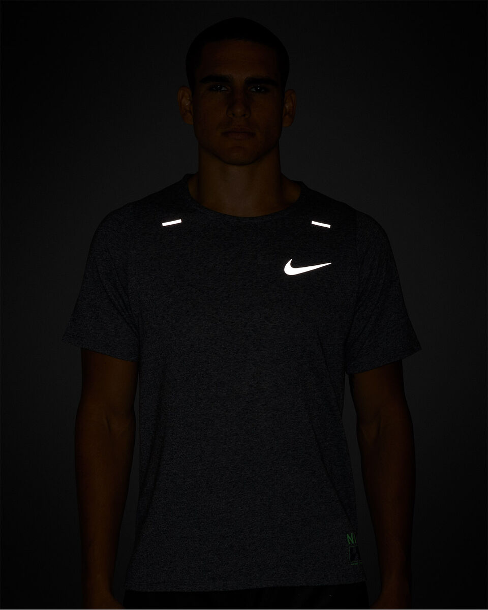 T-Shirt running NIKE RISE 365 FUTURE FAST M S5225510 scatto 5