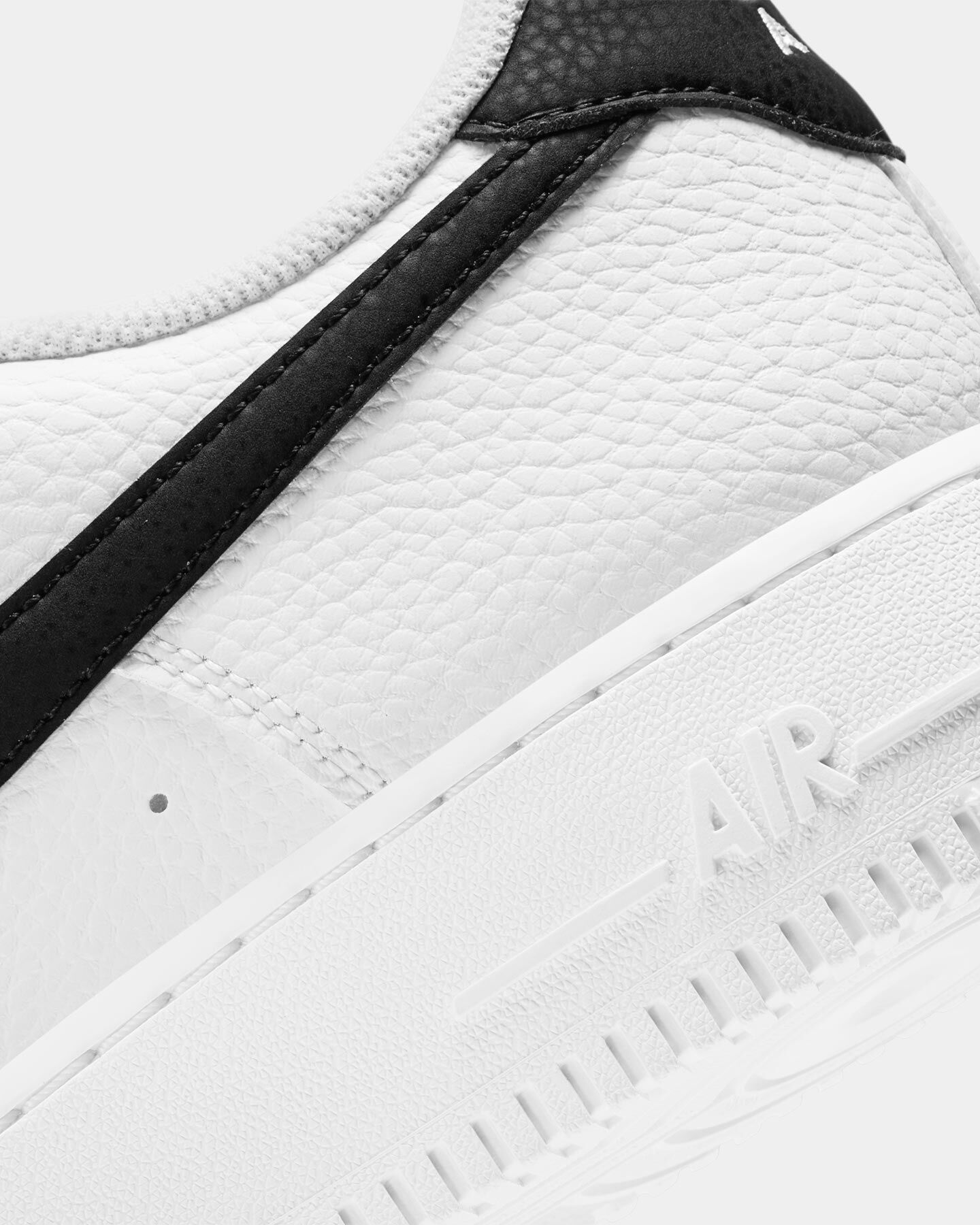 Scarpe sneakers NIKE AIR FORCE 1 '07 M S5270830 scatto 5