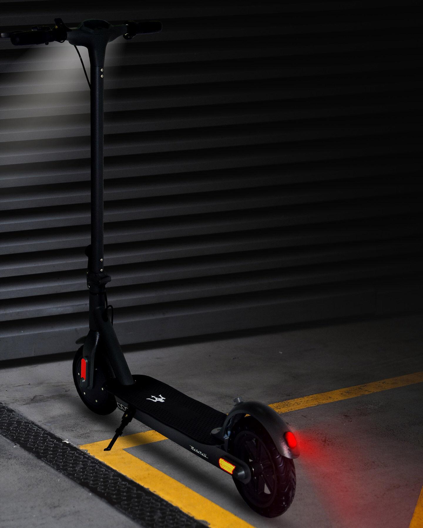 Scooter elettrico MASERATI MC-ES10 10' S4092065|BLACK|UNI scatto 2